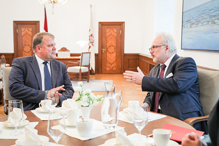 The President of Latvia agrees on cooperation with the Association of Local and Regional Governments